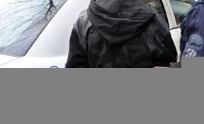 Задържаха мъж отказал полицейска проверка държал се грубо и убиждал органите на реда