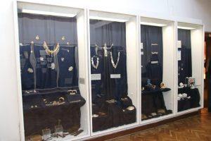 """Изложба """"Накитът – епоха и култура"""" представят в музей """"Конака""""(Снимки)"""