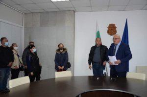 Кметът на Видин назначи нови работници в общинското предприятие по озеленяване (Снимки)