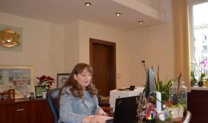 Министър Сачева обяви нова помощ за над 52 000 българи в риск