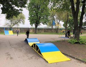 Монтиран е кош за стрийтбаскет в Крайдунавския парк във Видин (Снимки)