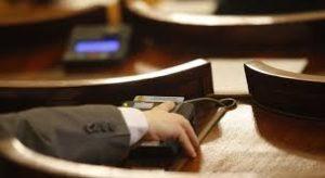 Парламентът прие да се въведе доброволна казарма