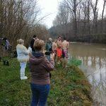 Спасиха Богоявленския кръст и в село Синаговци (Снимки)