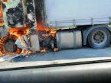 ТИР и лек автомобил се запалиха, след челен сблъсък, има пострадал