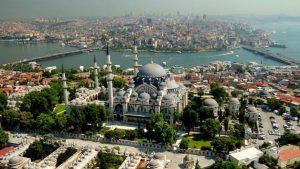 Турция въвежда по-строги ограничителни мерки заради COVID-19, комендантският час няма да важи за чуждите туристи