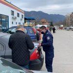 Хипермаркет получи полицейско разпореждане заради неосигурен пропускателен режим за клиентите (Снимки)