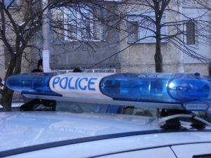 Четири деца откраднаха пари, стекове с цигари и 176 билета от НЛ