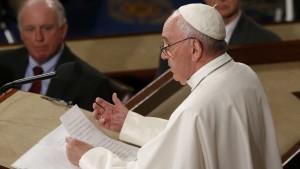 Папата: Светът е изправен пред едно от най-големите предизвикателства – климатичните промени